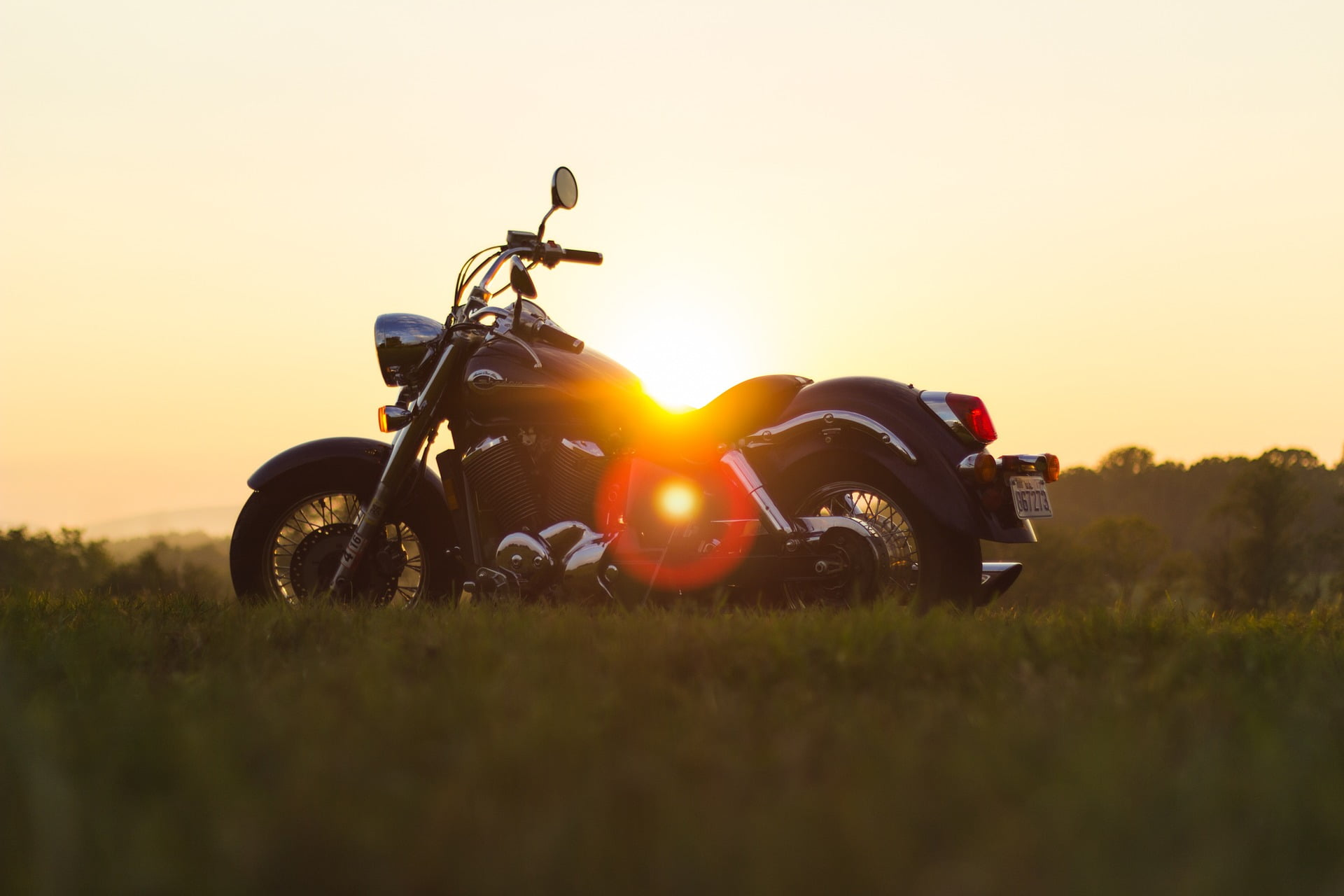 motorcycle-933022_1920